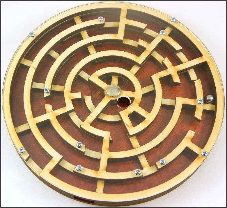 Labyrinth   Wooden Brain Teaser Puzzle  Game