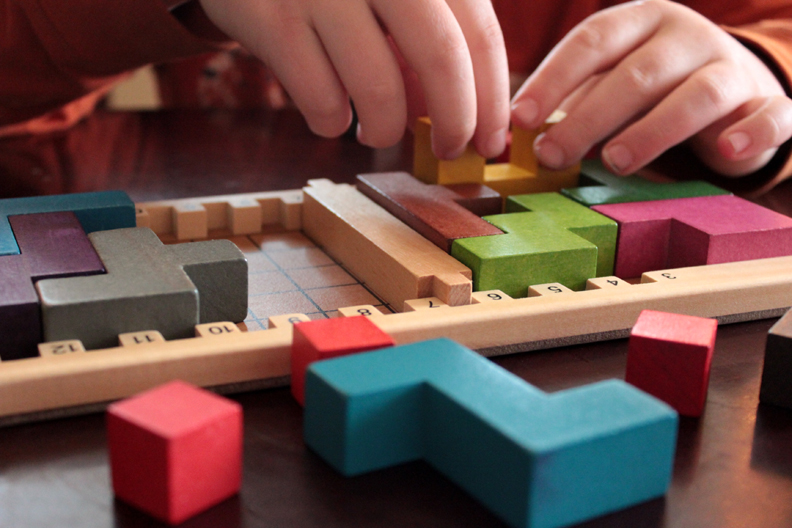 katamino  pentominoes wooden puzzle and strategy game